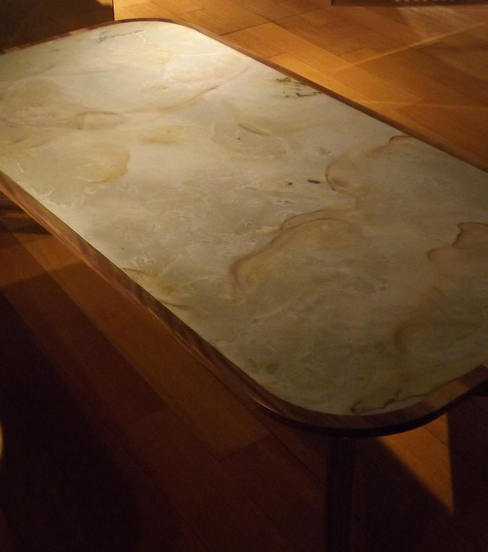 Tendència 3 en mobiliari i decoració: L'ús de la pedra natural, el marbre, la ceràmica, el formigó, i les resines. Un article de @SeseJover