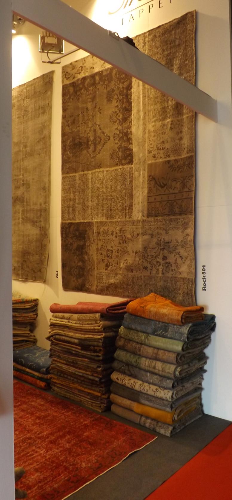 Tendència 5 en mobiliari i decoració: Tocs envellits o gastats en teixits i catifes. Un article de @SeseJover