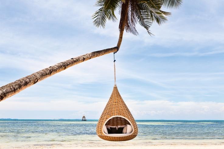 Consells per crear un espai relaxant: : il·luminació i tonalitats. Mobiliari del proveïdor Dedon, un article de @SeseJover (Sese Jover Interiors)